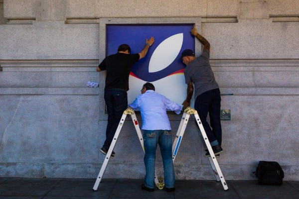 apple-event-sep-2015-preparing-sf-bill-graham-civic-auditorium-1